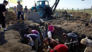 Ukrayna Anti Putin duvarı örüyor