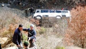 Öğrenci servisi uçuruma yuvarlandı 3 ölü, 18 yaralı