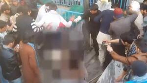 Kabilde bir kadın Kuran-ı Kerimi yaktığı iddiasıyla linç edildi