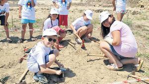 Küçük arkeologlar kazı yaptı