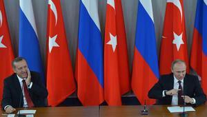 Putin: Bildiğim kadarıyla Başbakan eşiyle geldi