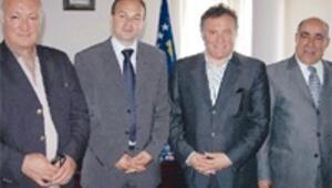 Türkler Kosova'ya eğitim ile dönüyor