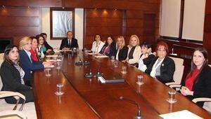 Kadıköye 2 kadın Başkan Yardımcısı