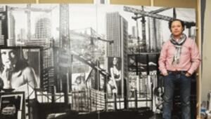 Kentlerin karmaşası tablolarına yansıyor