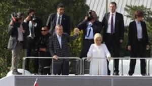 Başbakan Erdoğan havalimanında halka seslendi