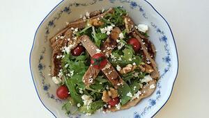 Hindili Akdeniz Salatası