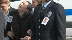 Şehit polisin kızından yürek burkan feryat