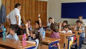 16 milyon öğrenci pazartesi ders başı yapacak