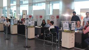 Oy verme işlemi gümrük kapılarında sürüyor