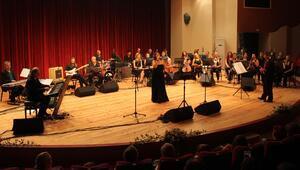 Kent Orkestrası ile ilk konserine çıktı