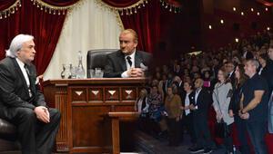 'Atatürk Geldi' izleyici ile buluştu