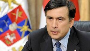 Gürcistan vatandaşlığından çıkarılan eski Cumhurbaşkanı Saakaşviliden ilk tepki