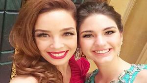Azra Akın, Miss Word 2015'te dereceye giremeyen Ecem Çırpan'ı teselli etti