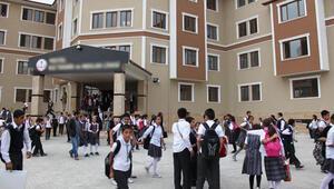 Okullar ne zaman açılacak? Yarıyıl tatili (15 tatil) ne zaman bitiyor?