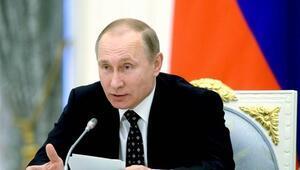 Putin: Lenin Rusya'nın altına atom bombası koydu