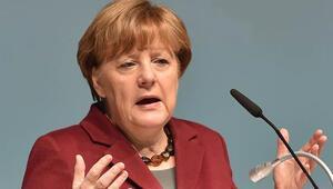 Başbakan Merkel:'AB beni hayal kırıkılığına uğrattı'