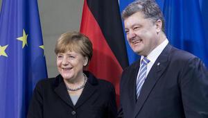 Merkel: Henüz sürdürülebilir bir ateşkes yok