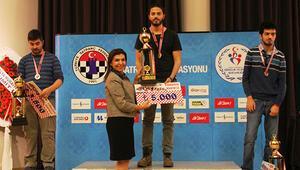 Satrançta Türkiye Kupası'nı Burak Fırat kazandı