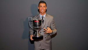 Ronaldo gol kralı ödülünü aldı!