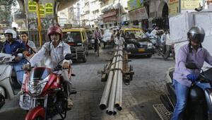 Hindistan Çin'i geçerek en hızlı büyüyen ekonomi oldu