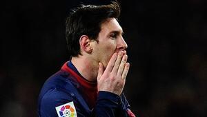 Messi'ye böbrek taşı şoku!