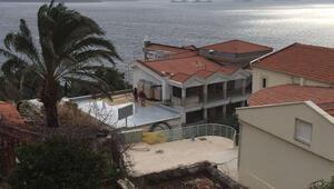 Kaş'daki kaçak Meis Otel yıkılmadı, oda satışları başladı