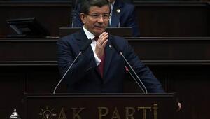 Başbakan Davutoğlu: Tek tek elimizde Rusya'nın attığı her bombanın nereye düştüğünün bilgisi var