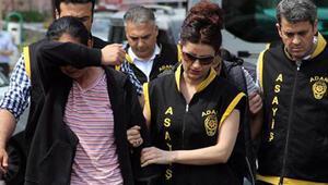 Adanada iki çocuk annesi kadın 10 bin liraya bar kundaklattı iddiası