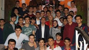 AK Parti Gençleri Dinledi