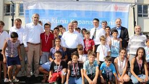 Ümraniye Belediyesi Yüzme Kurslarının Kapanış Töreni Yapıldı