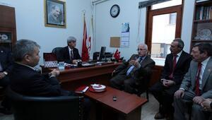 Eskişehir Valisi Tunadan muhtarlara ziyaret