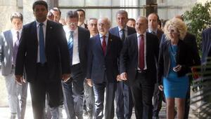 Kılıçdaroğlu: 28 Şubat darbecileri nasıl yargılandıysa bu darbeciler de gün gelecek hesabını verecektir (2)