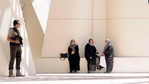 Cumhurbaşkanı Erdoğan ve Gül cenazede biraraya geldi