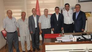 İzmirden Diyarbakıra türk bayrağı götürdü
