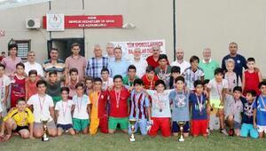 Serikte futbol turnuvası