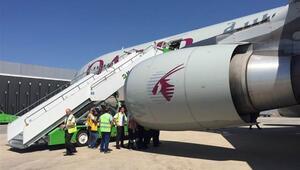 Motoru alev alan uçak Atatürk Havalimanı'na acil iniş yaptı
