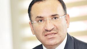 Adalet Bakanı Bekir Bozdağdan kabine revizyonuna yorum