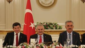 Başbakan Yıldırım, AK Partili eski bakanlarla buluştu