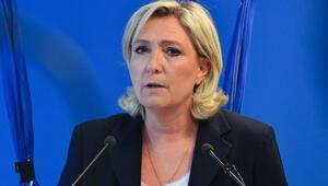 Marine Le Pen, Sarkozy'yi öyle bir şeyle suçladı ki...