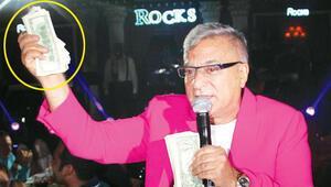 Mehmet Ali Erbil, Kıbrısta sahnedeydi