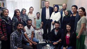 Cumhurbaşkanı şehit ailelerini ziyaret etti