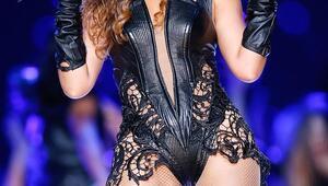 Beyaz, Beyonce ve Rihanna'yı geride bıraktı