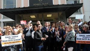 Proje okul yönetmeliği alkışlarla protesto edildi