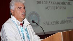 Eski rektör Alkan, FETÖden tutuklandı