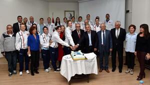 Çanakkale Belediyespor, kupayla Belediye Başkanı Gökhana gitti