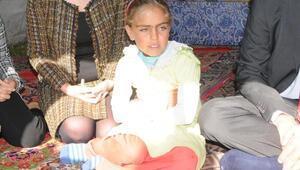 Göç Okulu öğrencisi 10 yaşındaki Azizeye BMden destek