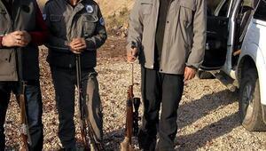 2 yavrulu dağ keçisini vuran 2 avcıya 18 bin lira ceza