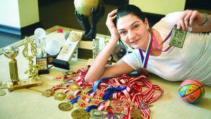 Nevriye Yılmaz: Kadın sporcuya bakışı değiştiremedik