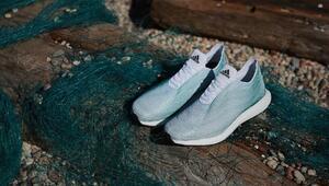 Okyanus atıkları ile üretilen ayakkabı