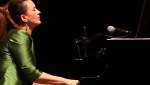 Anjelika Akbar Türkiye aşkını şarkıları ile anlatacak